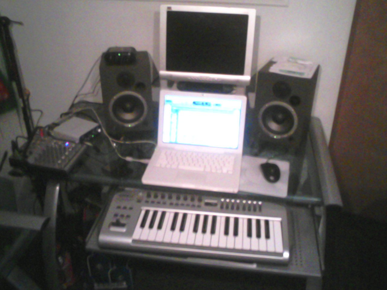 New Pure Bread Studioz aka Da Kennel!!
