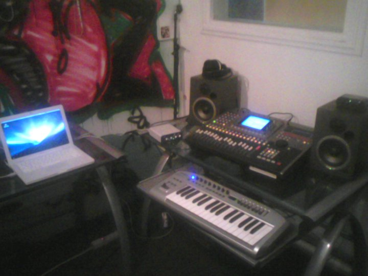Old Pure Bread Studioz aka Da Kennel!!